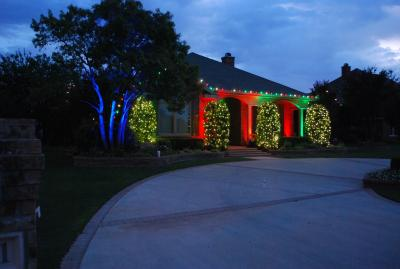 St. Louis Christms Decor Specializes in New for 2012 Color Splash Christmas Lighting in Saint Louis Missouri